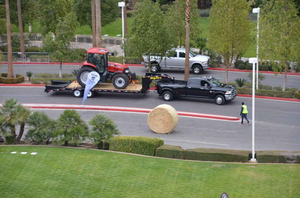 Ram 3500 HD easily handles the trailer with 14,00 lb tractor aboard